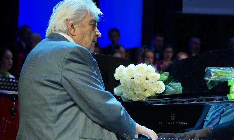 Великий советский композитор Евгений Крылатов покинул этот мир на 86-м году жизни