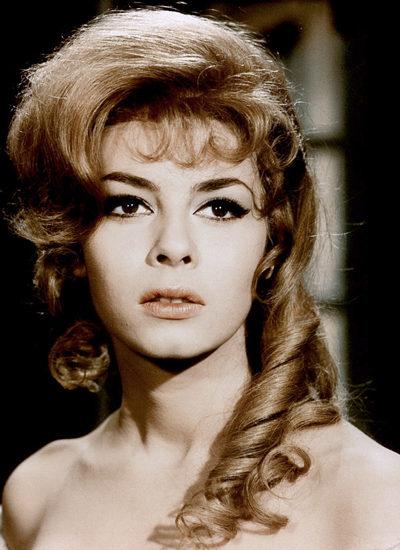 Актрисе, которая сыграла роль Анжелики, сегодня уже 80 лет и только посмотрите на то, как она выглядит
